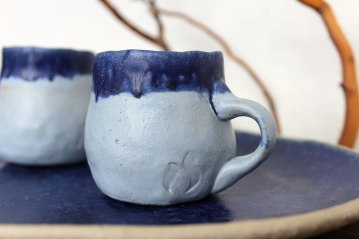 River blue black coffee cups