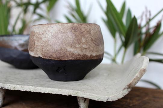 Smokey black and white teabowl