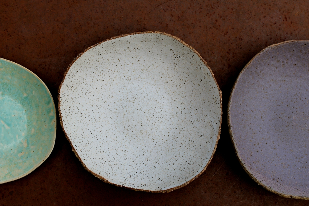 Spotty white big rustic plate