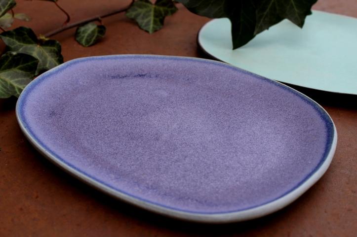 Vivid violet plate